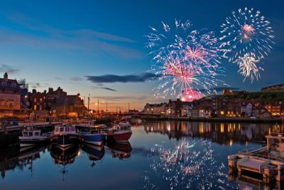Whitby Regatta fireworks © Colin Carter